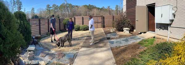 Animal_Hospital_Biscoe_Outdoor_Area_Pets